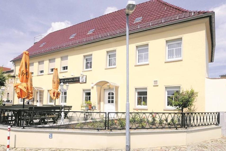 In Meyers Gaststätten bzw. im Bad Volkswohl traf sich die KPD-Kampforganisation Rot-Front-Kämpferbund.