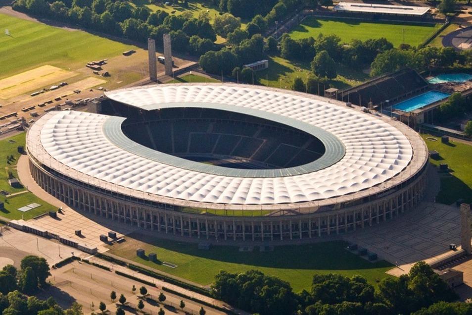 Berlin, Olympiastadion - am 30. Oktober Dynamos Spielstätte in der zweiten Pokalrunde.