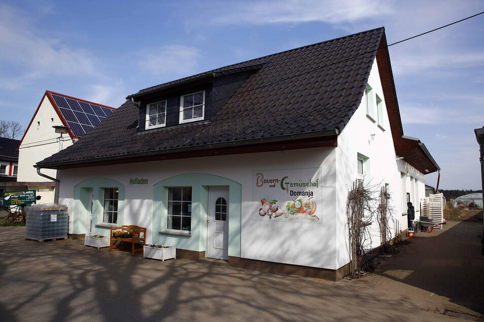 Der Hofladen Domanja in Hoske hat weiterhin geöffnet. Doch nur ein geringer Teil der Ware wird hier verkauft. Das meiste geht normalerweise auf Wochenmärkten über den Ladentisch.