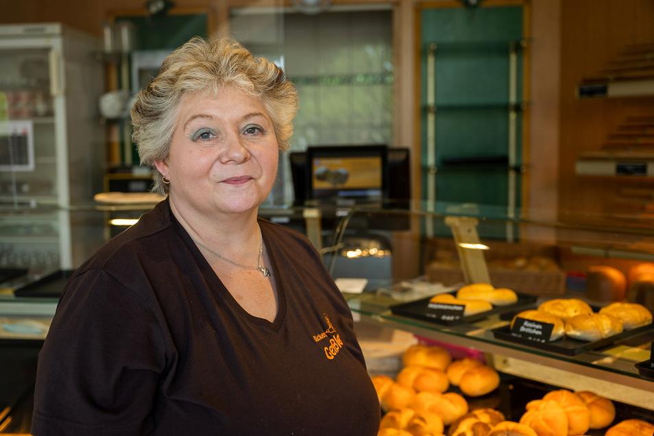 Rita Raschke verkauft jetzt im Laden im Viktoriagarten Backwaren der Ostritzer Bäckerei Geißler.