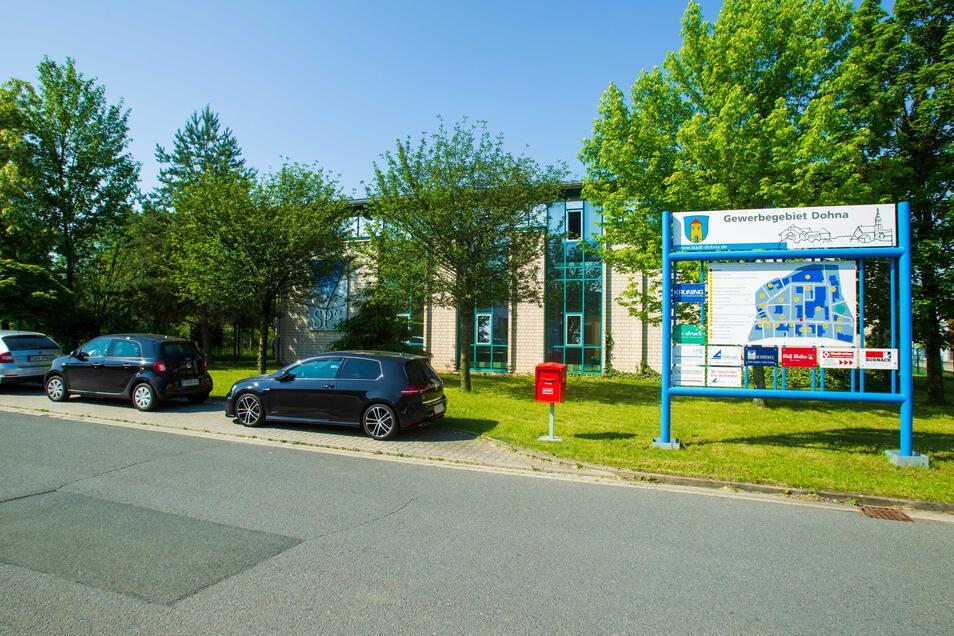 Seit 2003 befindet sich die Schiekel Präzisionssysteme GmbH im Dohnaer Gewerbegebiet.