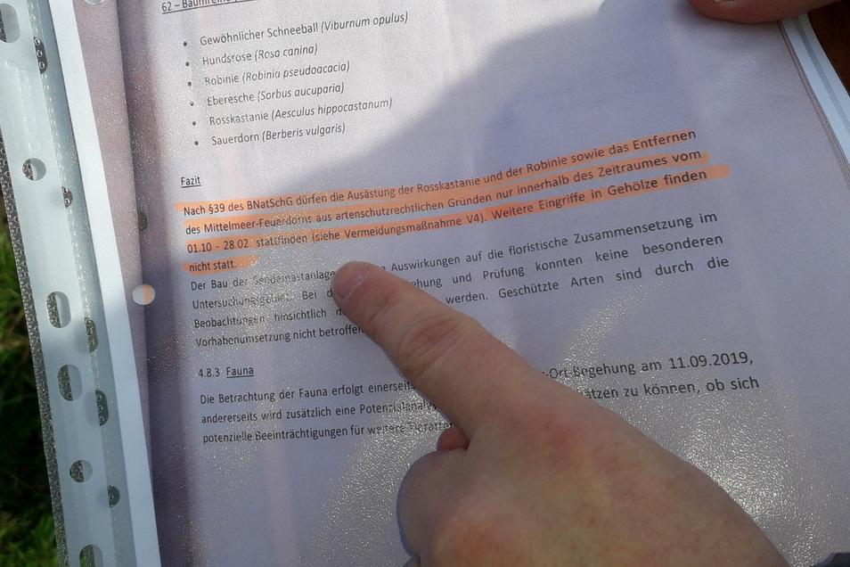 Im Bauantrag für den Funkmasten auf der Langenberger Straße in Zeithain findet sich auch die Stellungnahme des Kreisumweltamtes Meißen. Ein Anwohner hatte sie kopiert und die bewusste Stelle orange markiert.