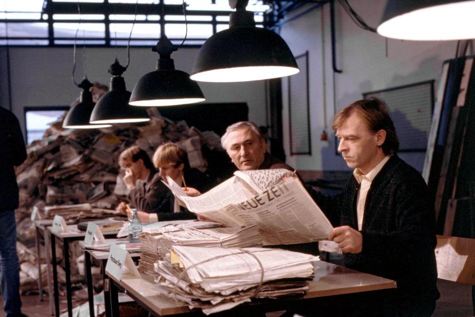 Starker Film nach wahrem Fall von 1988: Gelöste Kreuzworträtsel führen nach fast einem Jahr Ermittlungen zum Mörder - mit Andreas Schmidt-Schaller (r.) als Leutnant Grawe.