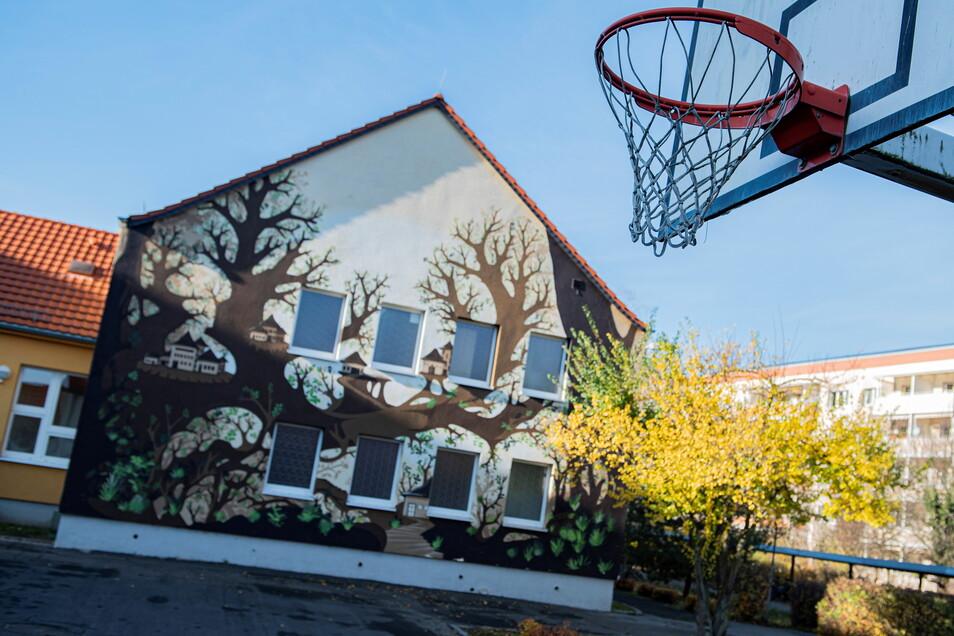 Ab 1. Juni soll die Sporthalle an der Oberschule Am Kupferberg instandgesetzt werden. Allerdings muss die Stadt eine sechsstellige Summe drauflegen.