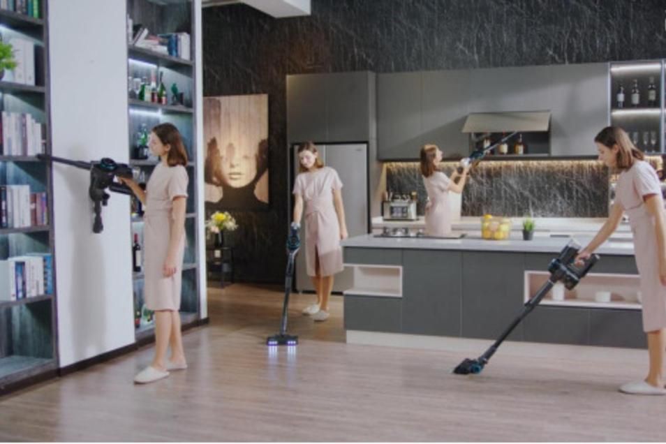 Dank dem verstellbaren Gelenk ist die Reinigung jeder Ecke des Hauses kinderleicht.