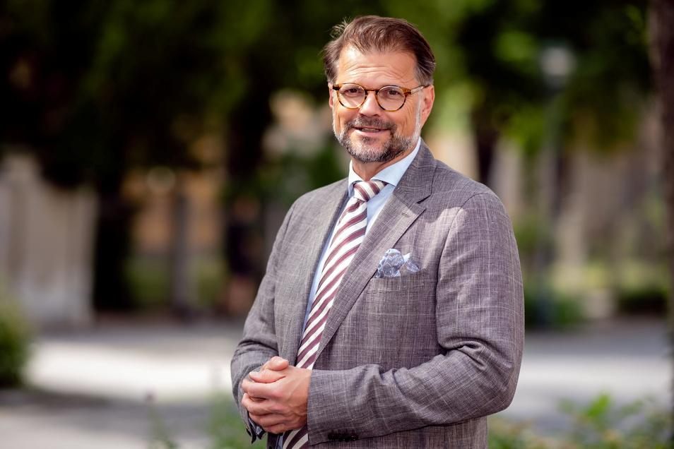 Frank Nägele hat über einen Zeitungsartikel von der ungewissen Zukunft der Körse-Therme erfahren und meldete sich in Schirgiswalde-Kirschau. Inzwischen betreut er die Planungen für Umbau und Wiedereröffnung des defizitären Hallenbades.