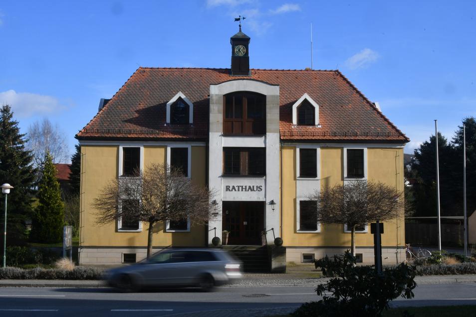 Wer hat im Dürrröhrsdorfer Rathaus den Fehler übersehen?