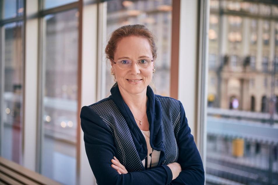 Frauke Roth plante mit die 151. Spielzeit der Philharmonie im Kulturpalast. Der feiert 2022 sein 5-jähriges Bestehen.
