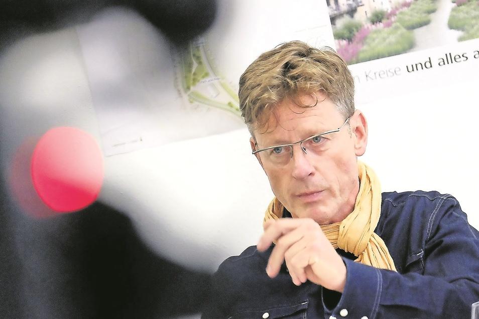 """Walter Hannot, Stadtrat der Fraktion Bürger für Meißen/SPD: """"Wer entscheidet letztgültig über die Nutzung des Prälatenhauses und das inhaltliche Konzept?"""""""