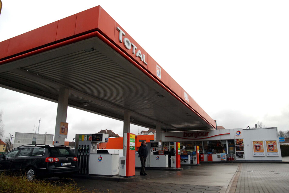 An der Total-Tankstelle in Löbau war die Polizei im Einsatz.