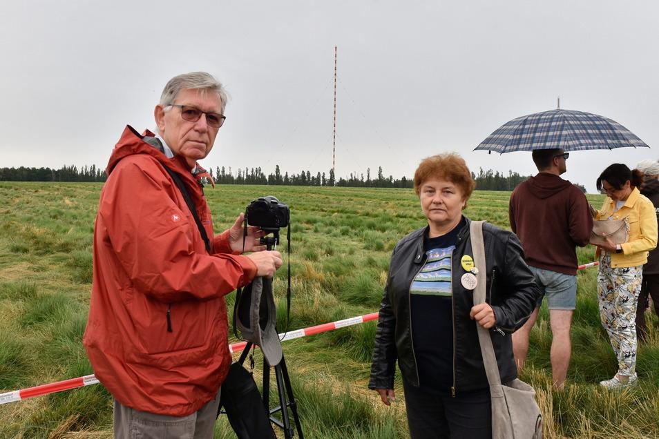 Dieter Schröer ist gelernter Rundfunkmechaniker und Sigrid Lippert hat als Röhren-Sachbearbeiterin im Sender Wilsdruff gearbeitet.