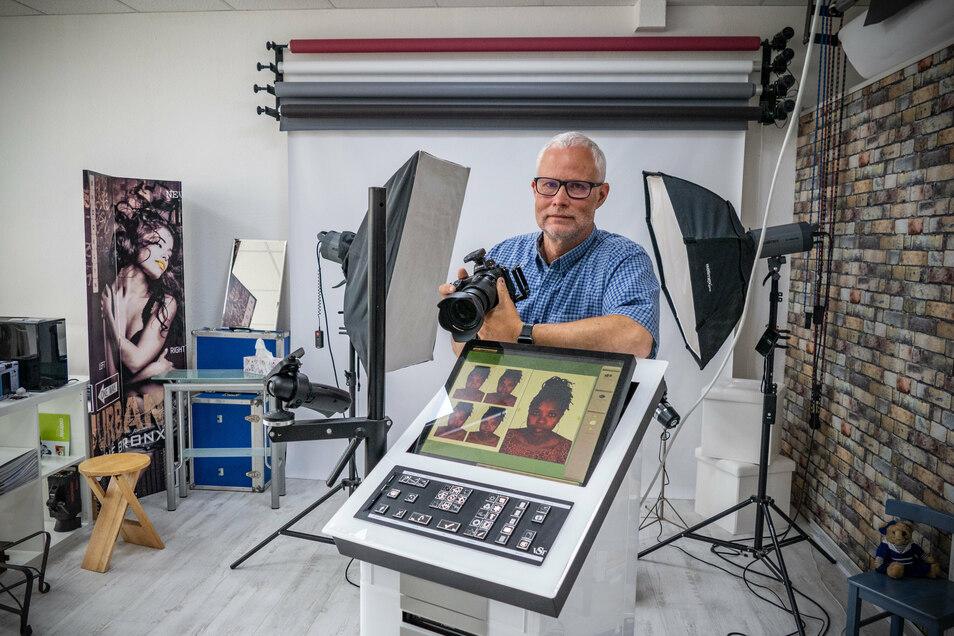 30.06.2020 , Foto: Dietmar Thomas , Waldheim Fotograf Steffen Gutschow zum Thema Passbilder , Passfotos