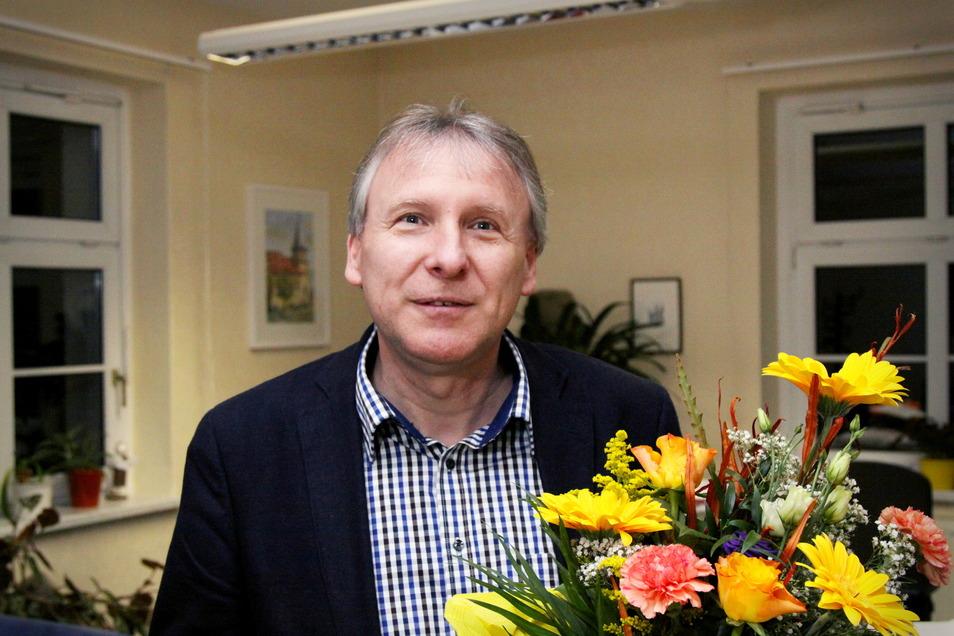 Vor sieben Jahren erhielt Gerd Barthold Blumen und Glückwünsche zur Wiederwahl. Ein drittes Mal tritt er nicht an.