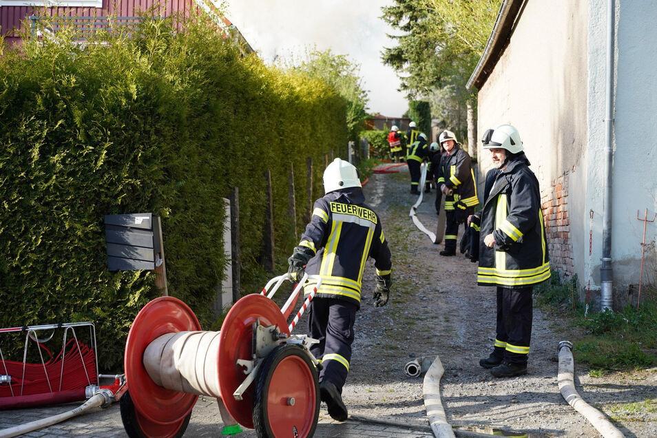 Auch die engen Zufahrtswege waren für die Feuerwehr eine Herausforderung.