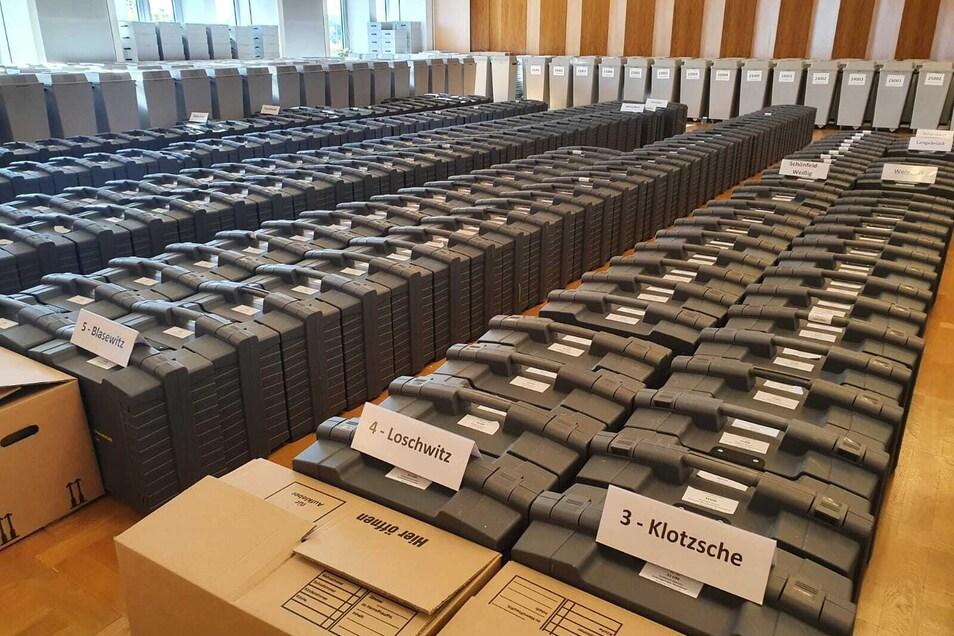 Im Dresdner Rathaus hat am Donnerstag der Wahlausschuss getagt - und nachzählen lassen.