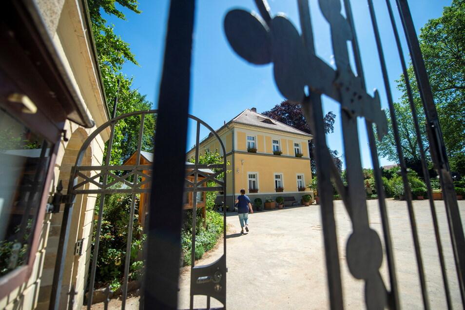 Der Eingang zum Friedhof in Großenhain.