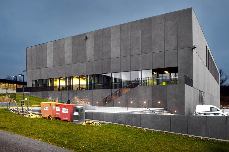 Das Haus für den Dresdner Supercomputer. Der Rechner im  Hochleistungsrechenzentrum der TU Dresden wird schneller und besser.