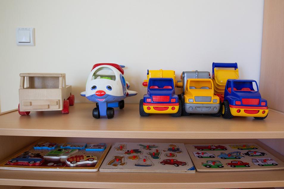Ruhe in den Kitas: Das Spielzeug bleibt im Regal.