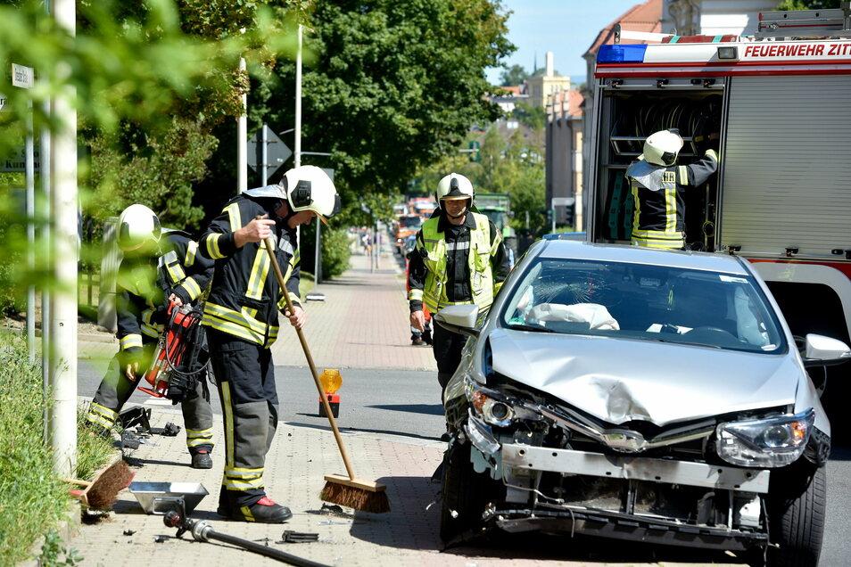 Immer wieder kommt es zu Unfällen wie hier auf der Dresdner Straße in Zittau. Die Verkehrsunfallkommission analysiert die Schwerpunkte und entwirft Gegenmaßnahmen.