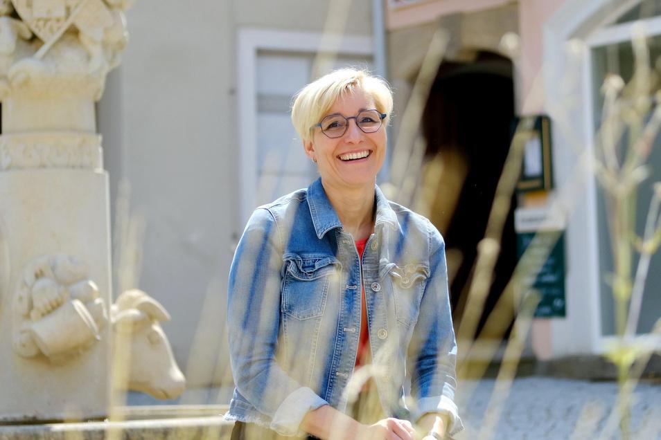 Hat gut lachen: Die Lommatzscher Bürgermeisterin Anita Maaß (FDP) ist die einzige Kandidatin für die Wahl am 1. September. Ihrer dritten Amtszeit steht nichts im Wege. Seit 2005 ist die 43-Jährige Bürgermeisterin der Kleinstadt.