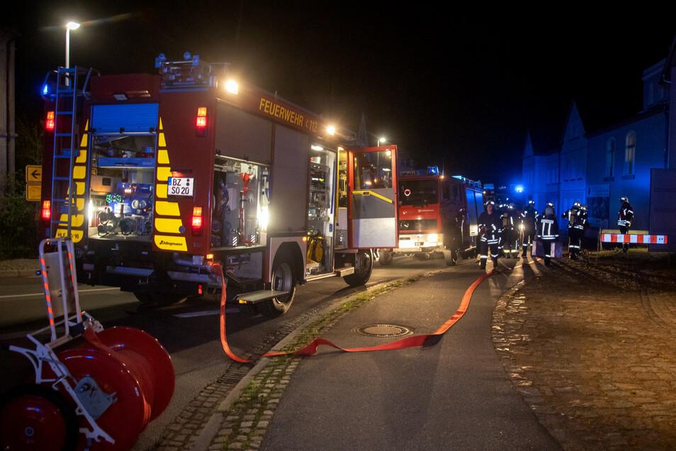 Zahlreiche Feuerwehren aus Kirschau und Umgebung waren im Einsatz.