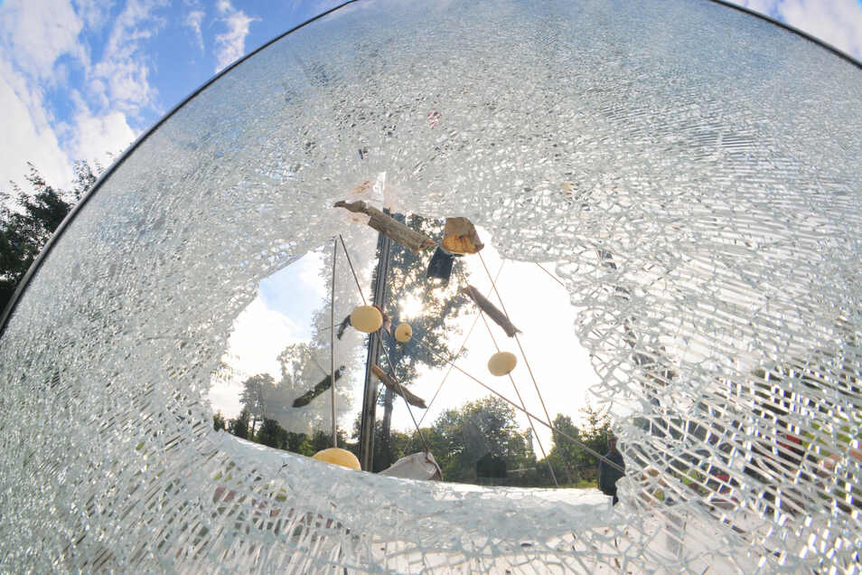 2016 wurde das Tornado-Denkmal von Jugendlichen zerschlagen. Sie wurden gefunden und mussten Wiedergutmachung leisten.