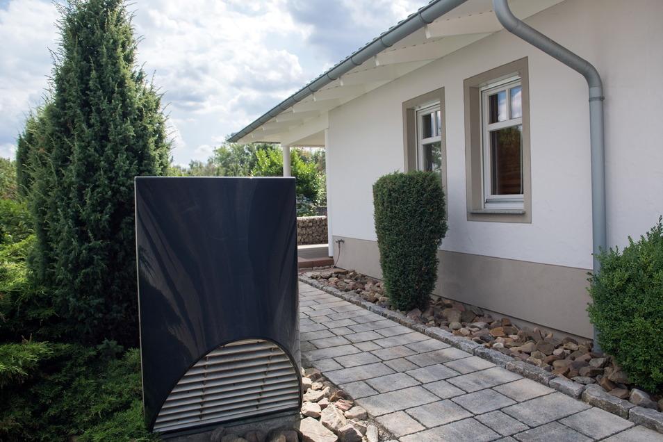 Vor der Installation lieber beachten: Wärmepumpen können laut sein.