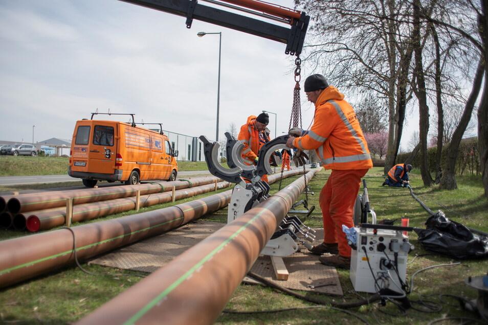 In und um Kamenz wird derzeit intensiv an einer Überlandleitung für Abwasser von Straßgräbchen zur Kläranlage in Deutschbaselitz gebaut.