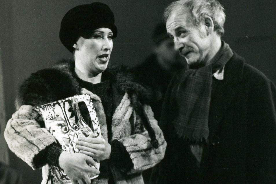"""Mit Sabine Krug stand er in """"Der zerbrochene Krug"""" gemeinsam auf der Bühne."""