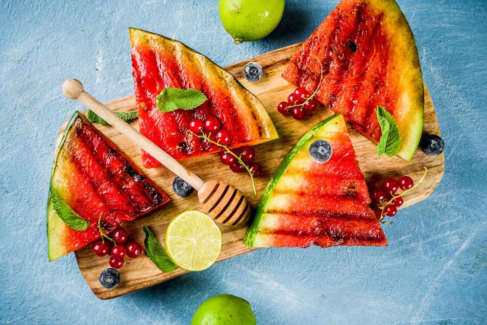 Im Sommer ein erfrischender Nachtisch: Melone vom Grill.