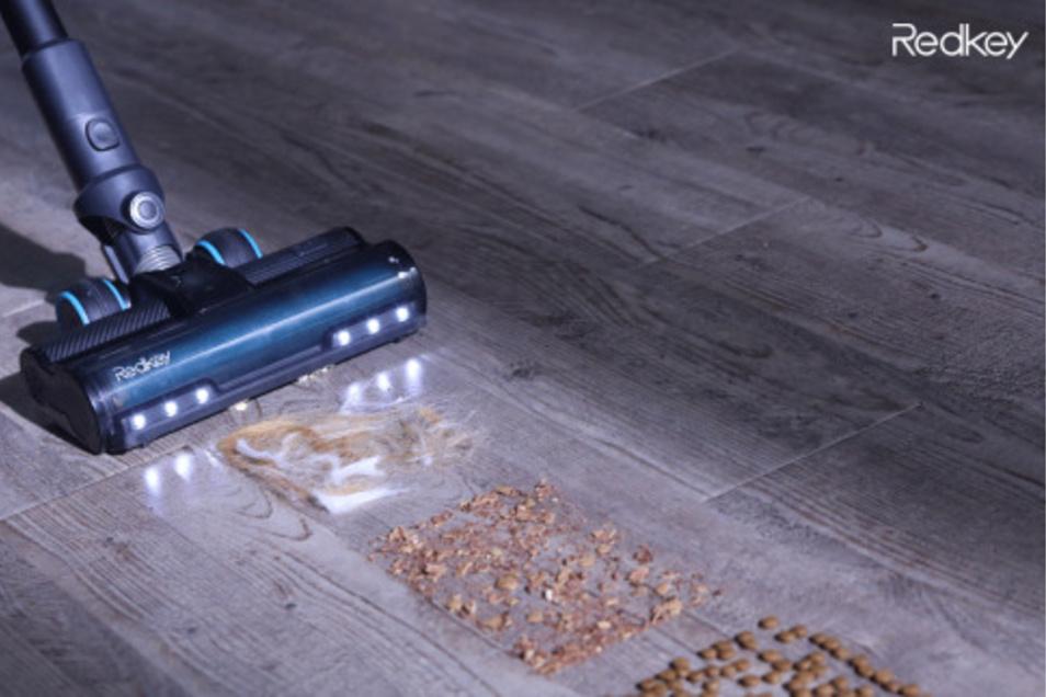 Der eingebaute Sensor optimiert die Saugleistung je nach Partikelgröße und Verschmutzungsgrad.