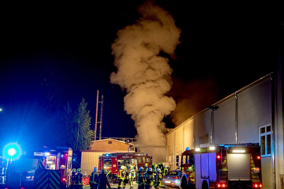 In der Nacht zu Mittwoch brannte es in einer Textilfabrik in Kirschau.