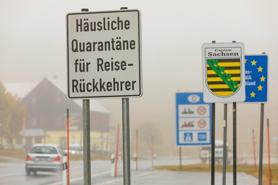 Noch ist der Grenzübergang zu Tschechien von Oberwiesenthal aus möglich. Dort steigen die Corona-Fälle noch extremer an.