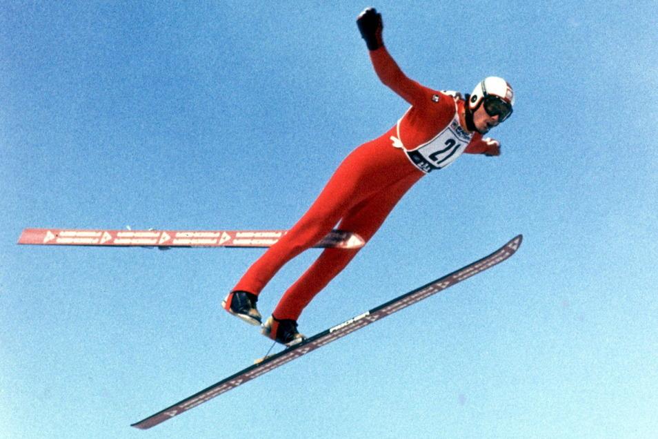 Claus Tuchscherer verliert bei der WM 1978 im finnischen Lahti während des ersten Wettkampfsprunges einen Ski.