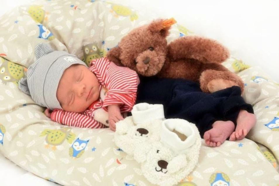 Arno Gottwald;Geboren am 19. Oktober 2020; Geburtsort: Zittau; Gewicht: 2.445 g; Größe: 47 cm; Eltern: Margret Piontek und Danny Gottwald; Wohnort: Hirschfelde