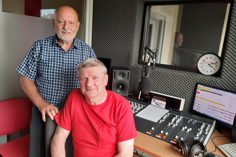 Hans-Peter Schreiber (l.) und Bernd Wogawa haben über die Jahre den lokalen Fernsehsender zu einem regionalen Radiosender ausgebaut. Umgebaut wird im kommenden Jahr ihr Studio.