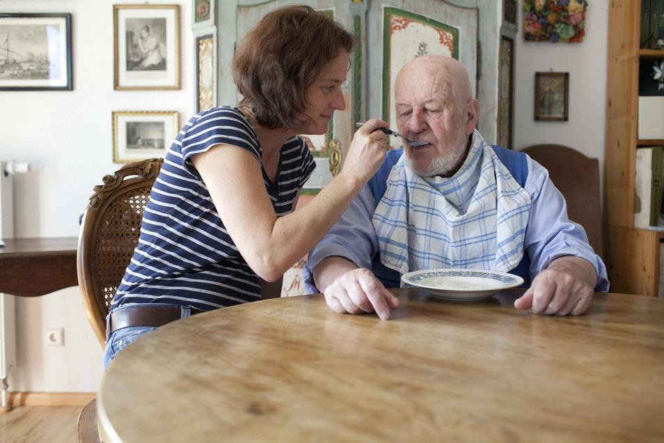 Die Nachbarschaftshilfe bietet auch eine Entlastung für Angehörige.