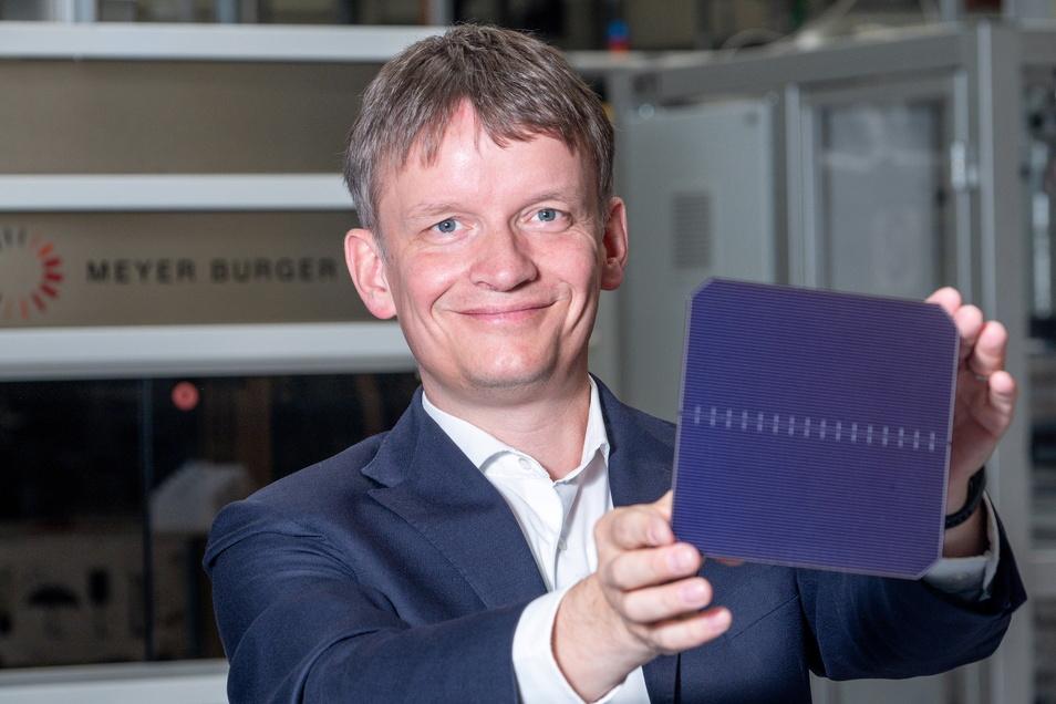 Er hat Geldgeber für 185 Millionen Euro gefunden: Gunter Erfurt, Vorstandschef von Meyer-Burger, will die neue Solartechnik-Produktion in Sachsen und Sachsen-Anhalt rasch erweitern.