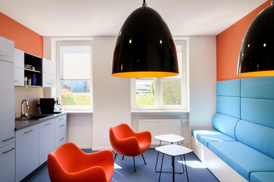 Modern gestaltete Räume zum Arbeiten und Wohlfühlen richten Anke Mai und ihr Team ein.