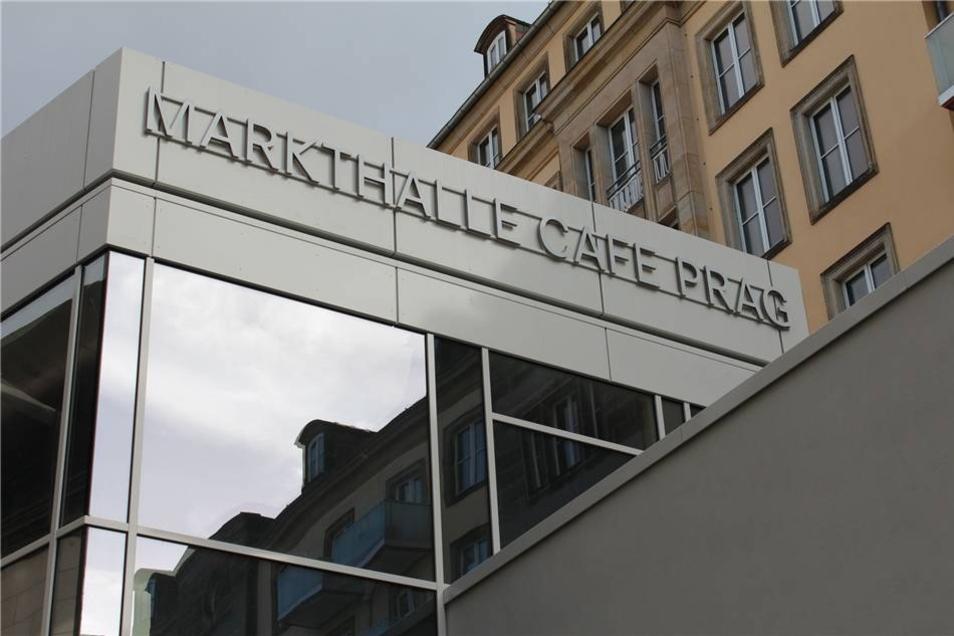 Seit dem 6. Dezember lädt die neue Markthalle Café Prag zur kulinarischen Weltreise ein. Der Eigentümer Patrizia Immobilien AG aus Augsburg hat rund zehn Millionen Euro in den Umbau des ehemaligen Cafés zu einer modernen Markthalle  investiert.
