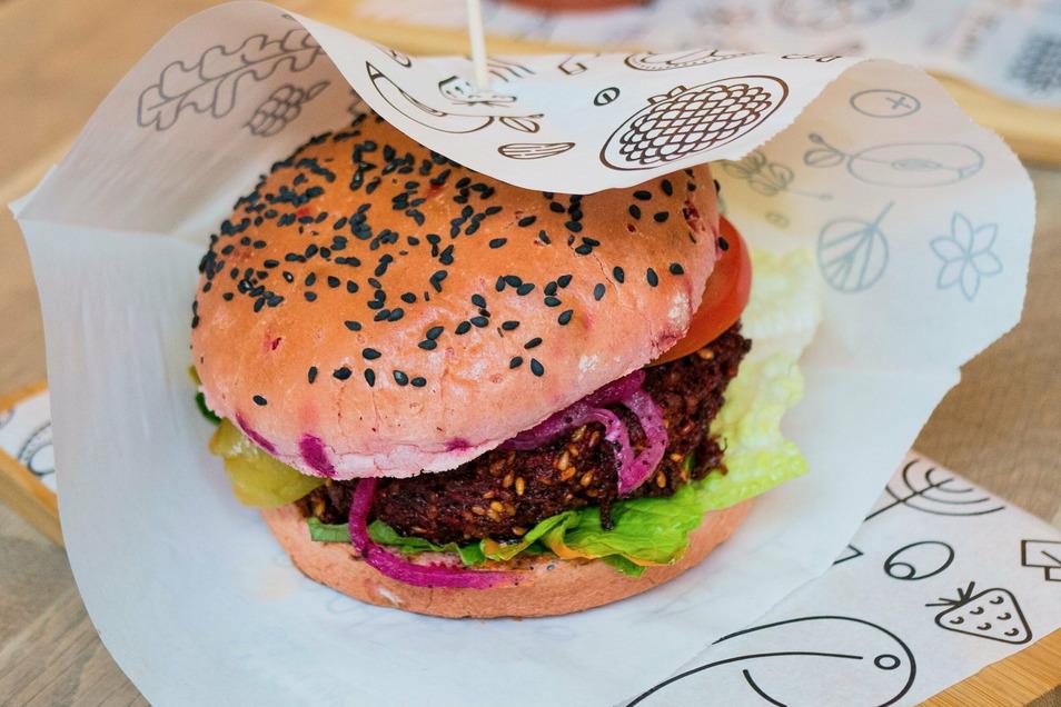 Die Herstellung von Fleischersatz-Produkten gilt als umweltfreundlicher als die von Fleisch.