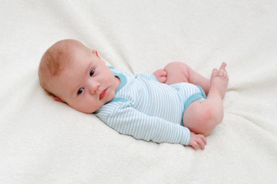 Jari - Geboren am: 22. November, Geburtsort: Meißen, Gewicht: 4.325 Gramm, Größe: 55 Zentimeter, Eltern: Linda und Marco Richter, Wohnort: Niederau OT Gröbern.