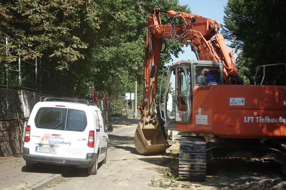 In der Baustelle Roßweiner Straße kann es ziemlich eng zugehen. Die Firma LFT appelliert an die Autofahrer, die Sperrung zu beachten.