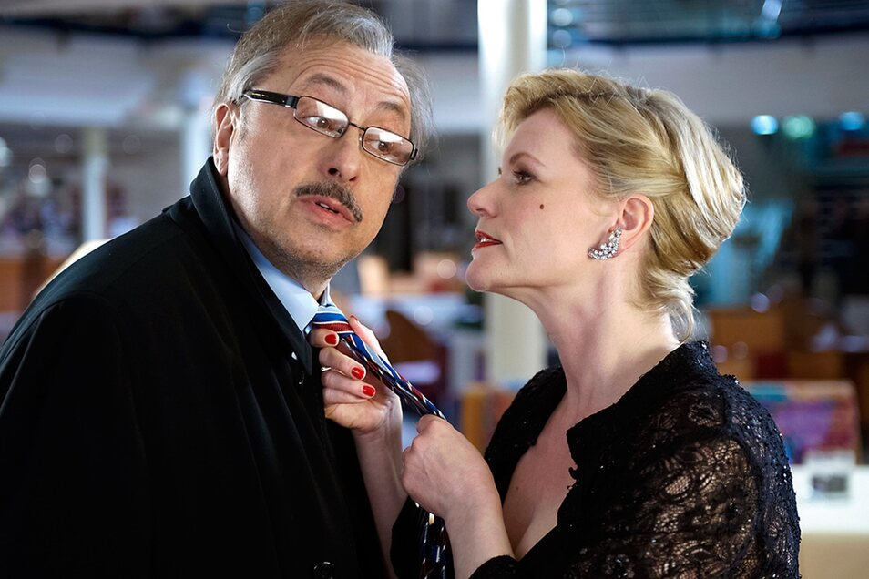 """Ein Heiratsschwindler, wie ihn Wolfgang Stumph im Film """"Romeo und Jutta"""" spielte, braucht viel Charme und Einfühlsamkeit."""