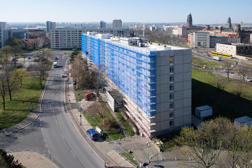 In diesem Wohnblock an der Steinstraße werden Balkonbrüstungen erneuert. Zudem erhält das Haus eine neue Wärmedämmung.