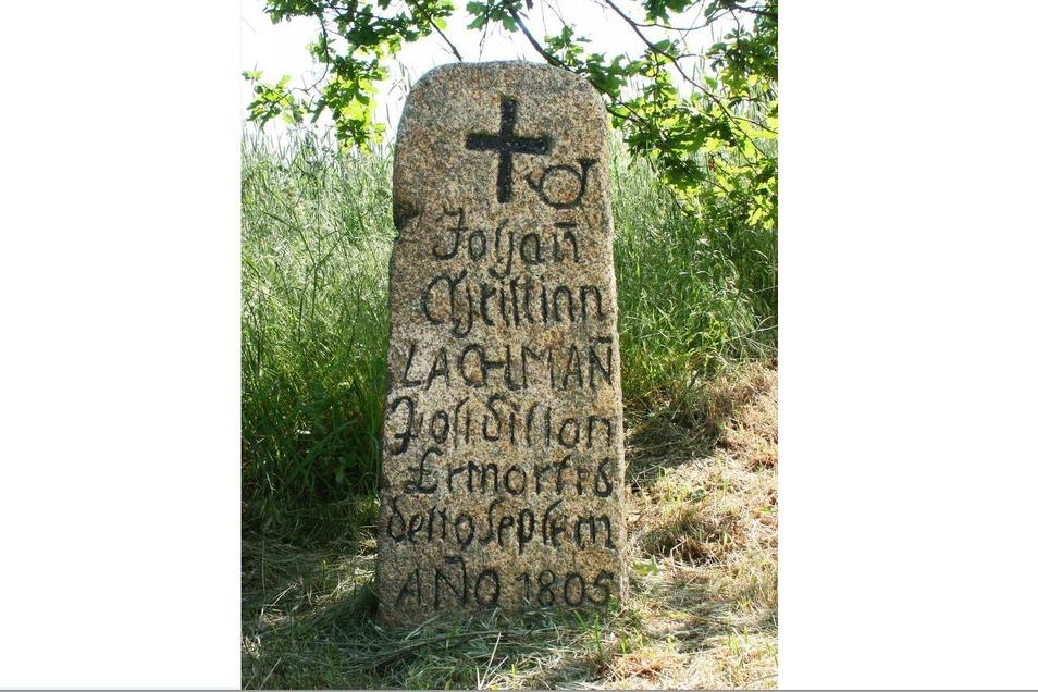 Der bei Rengersdorf für den ermordeten Postillion errichtete Gedenkstein ist dank stetiger Pflege in einem hervorragenden Zustand.