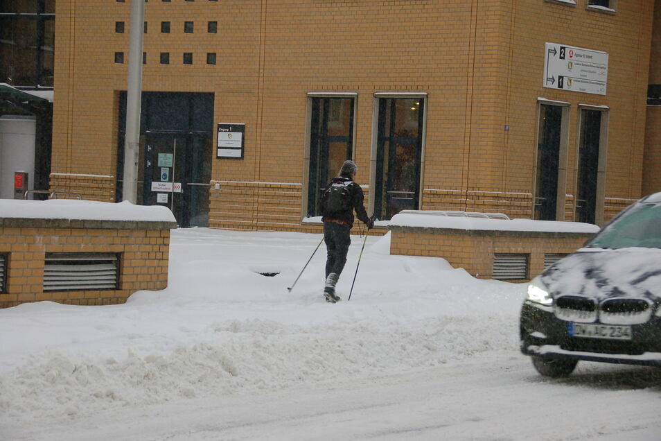 Sonst nur etwas fürs Gebirge: Ski fahren am Montag in Freital.