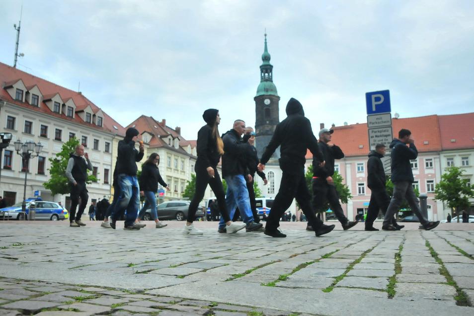 """Rund 200 Menschen waren beim dritten """"Montags-Spaziergang"""" in Großenhain unterwegs."""