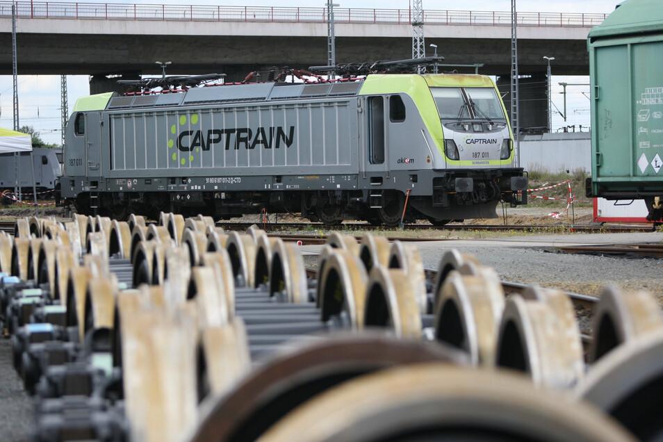 Moderne Lok am ITL-Bahnbetriebswerk in Pirna: Nachwuchs für den Führerstand gesucht.