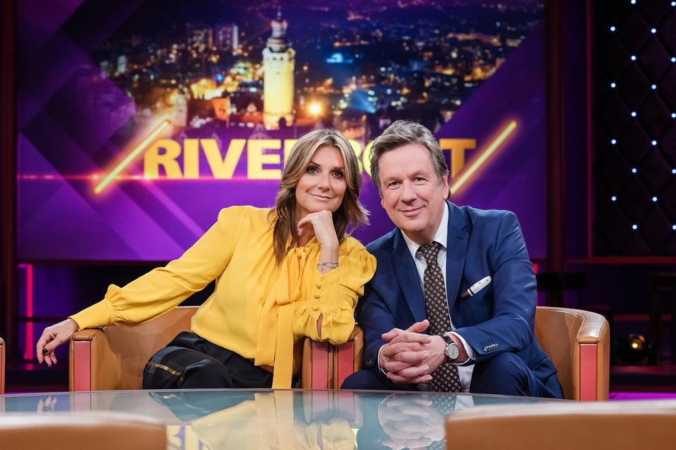 """Kim Fisher und Jörg Kachelmann sind Moderatoren der MDR-Sendung """"Riverboat""""."""